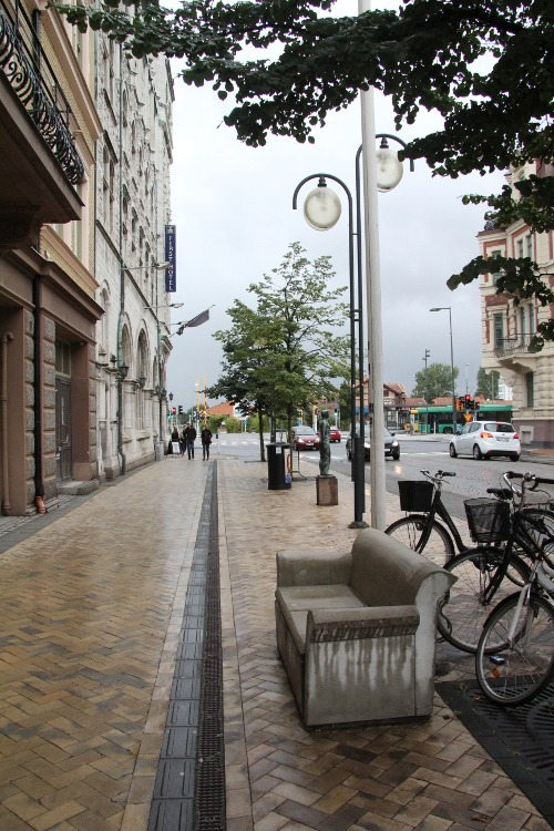 Kristianstad-Beton-Sofa
