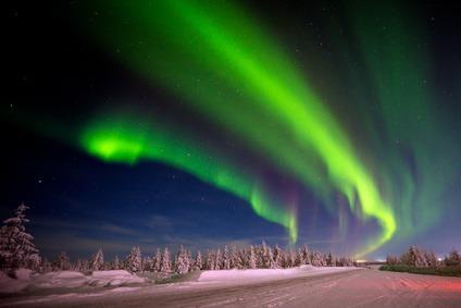 Winter in Lappland. Entdecke die schöne Natur und die Polarlichter