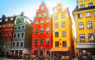 Stockholm Reisetipps - Der historische Marktplatz Stortorget ist bekannt für seine verwinkelten Häuser mit den vielen bunten Fassaden.