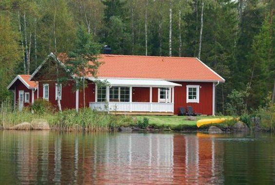 Ferienhaus direkt am See in Schweden