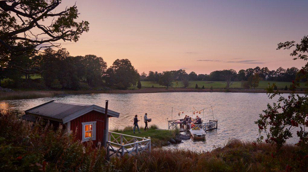 Urlaub direkt am See in einem Ferienhaus in Schweden mit Boot Einsames Ferienhaus in Schweden am See