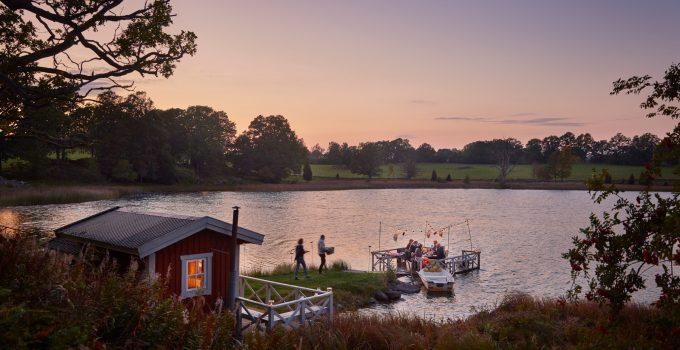 Urlaub direkt am See in einem Ferienhaus in Schweden mit Boot