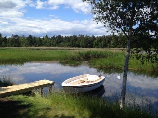 Schweden Ferienhaus direkt am Wasser - Ein Boot vor der Haustür